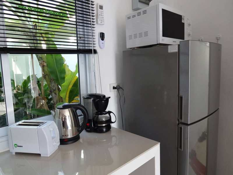 Photo 35 english picture window on banana, kitchen electric stove, microwave oven koh samui.