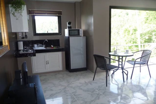 prix pas cher studio coin cuisine pret pour petit dejeuner avec equipement with cuisine pour studio. Black Bedroom Furniture Sets. Home Design Ideas